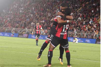 """Asojupro acusa a Alajuelense de """"bullying"""" por caso Roger Rojas"""