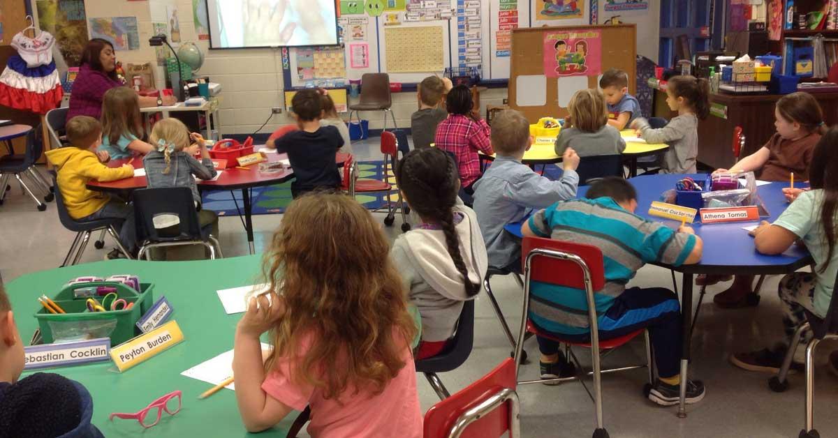 Escuelas de EE.UU. buscan maestros costarricenses