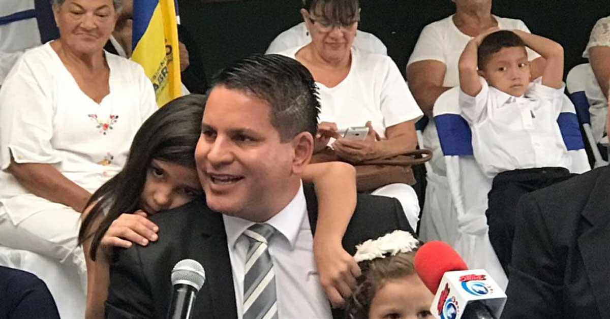 Fabricio Alvarado presenta su equipo económico