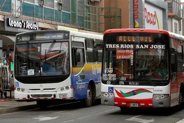 Diputada pide que no se refrenden contratos de bus hasta que no haya cobro electrónico