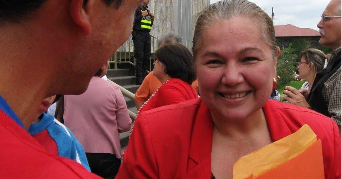 """Diputada de RN: """"Votantes del PAC hacen acto de vandalimso en iglesias"""""""