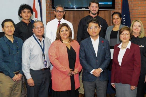 TEC y Samsung se alían para impulsar el desarrollo de jóvenes estudiantes