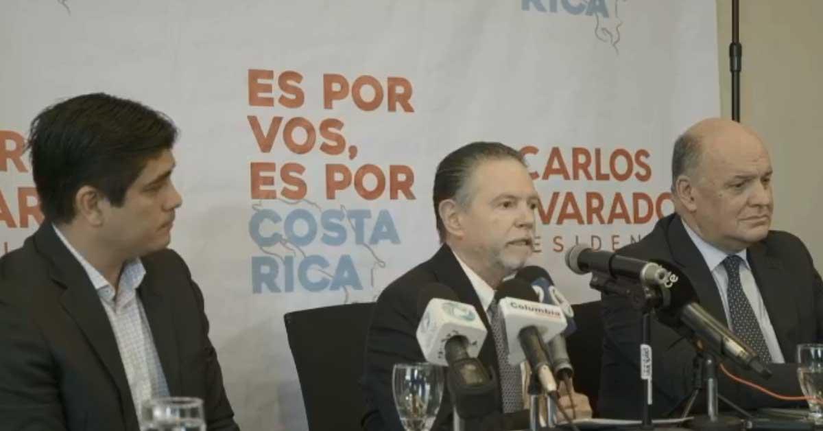 Carlos Alvarado presentó a su ministro de conexión con el sector privado