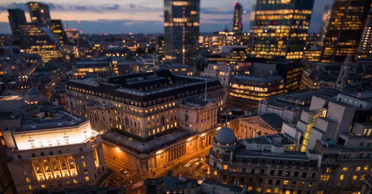Precios de casas en Londres caen al ritmo más rápido desde 2009