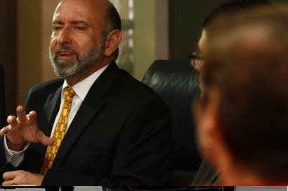 Édgar Ayales minimiza críticas de Ottón Solís sobre equipo económico de Restauración