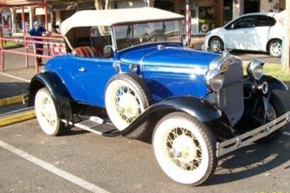 Feria de autos antiguos beneficiará a niños músicos de la Carpio