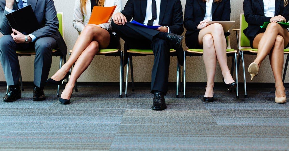 Jóvenes con experiencia, título y dominio de otro idioma, perfil de participantes de Expoempleo