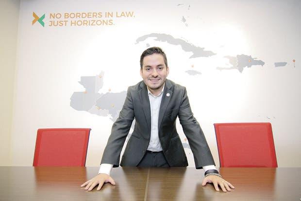 Bufete innova con especialidad en derechos humanos