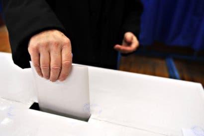 Patronos están obligados a permitir que sus empleados voten