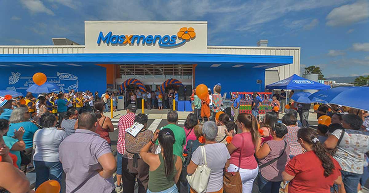 Masxmenos abre su local 36 tras inversión de ¢3.450 millones