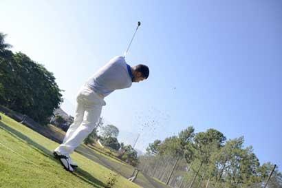 Torneo de golf recaudará fondos para compra de equipo médico