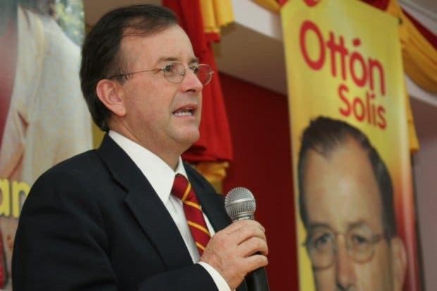 Ottón Solís: Fabricio Alvarado hizo una rifa de puestos