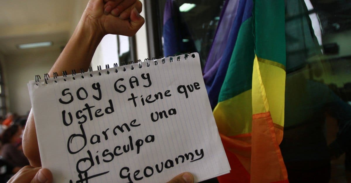 Diputado critica religión y propone castigar con cárcel discurso de odio por discriminación
