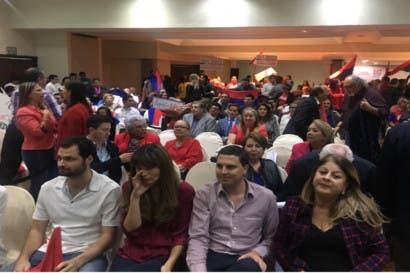 Líderes socialcristianos le dan apoyo a Carlos Alvarado esta noche