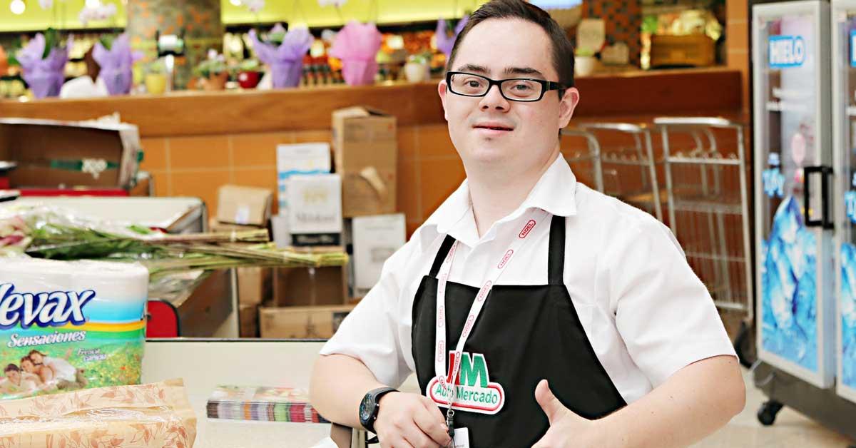 Campaña lo invita a usar medias diferentes en apoyo personas con síndrome de Down