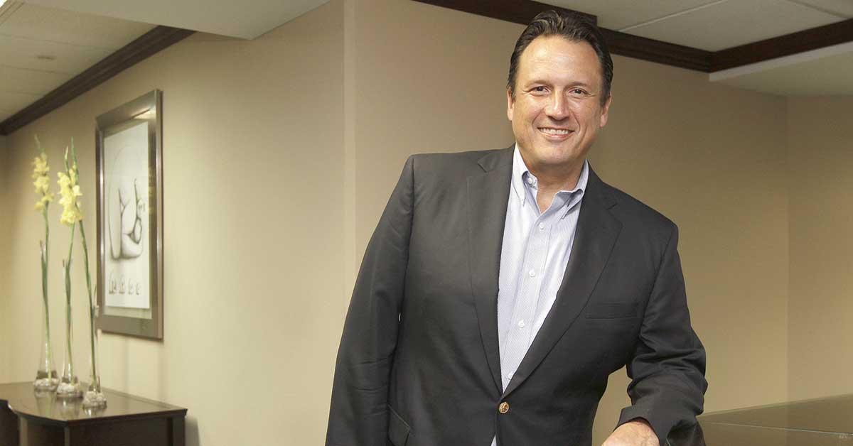 """Empresarios califican de """"parche"""" reforma fiscal y le restan apoyo"""