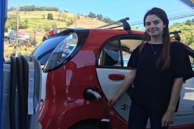 Zarcero abre la primera electrolinera para carros eléctricos