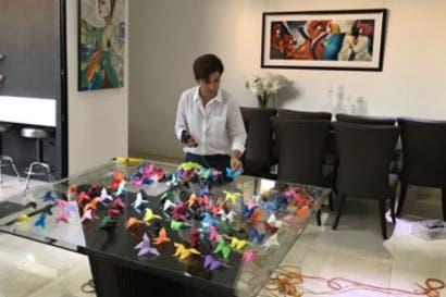 Daniela Vargas inunda de mariposas la Galería Sophia Wanamaker