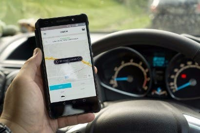 Carro autónomo de Uber atropella a mujer en Estados Unidos