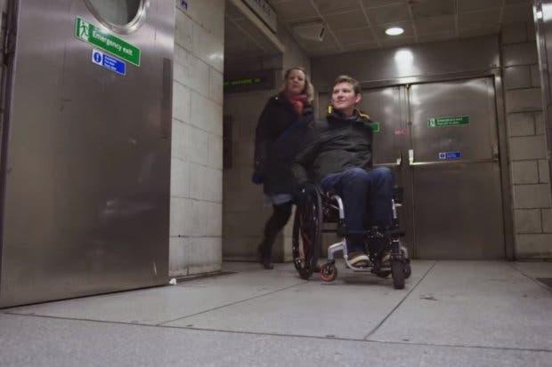 Google Maps presentará vías accesibles para sillas de ruedas