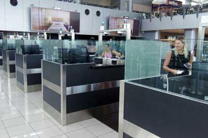 Migración multará a extranjeros que pasen más tiempo del permitido en el país