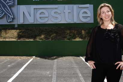 Nestlé regalará hoy café, granizados y chocolate por el Día de la Felicidad