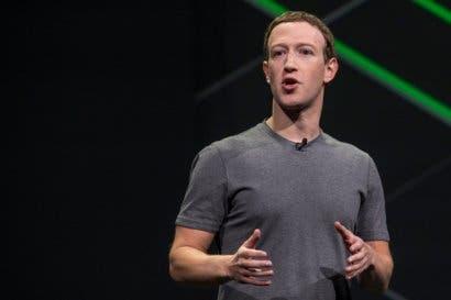 Creador de Facebook acepta error por falla de seguridad