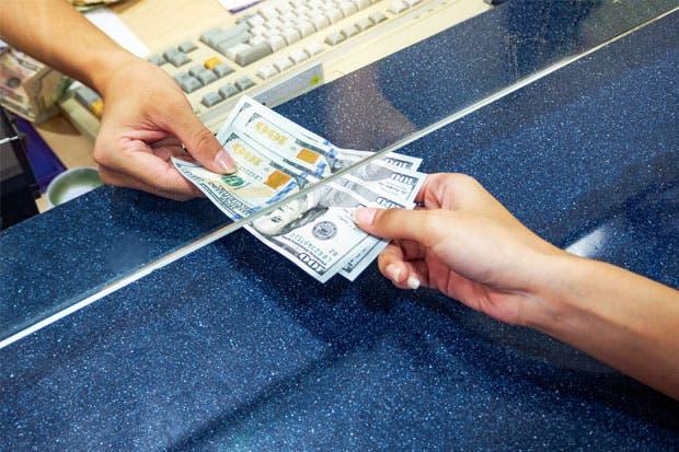 El dólar cayó a $ 20,50 con ventas del BCRA