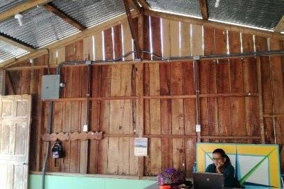 Schneider Electric llevó electricidad a comunidad de Talamanca