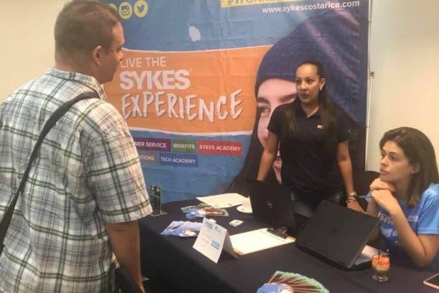 SYKES, Pizza Hut y otras empresas con más de 50 puestos para refugiados