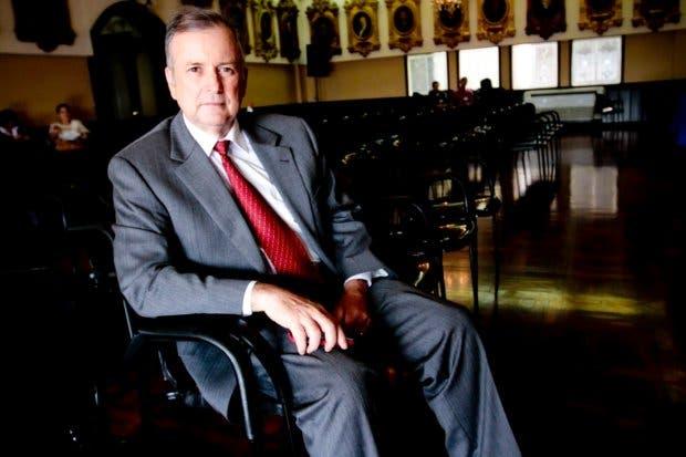 """Ottón Solís: """"Candidatos deberían renunciar a futura pensión de Presidente"""""""