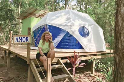 Pasión por la NASA inspiró la creación de un hotel de domos