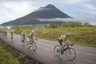 De ciclista amateur a profesional en las faldas del Arenal