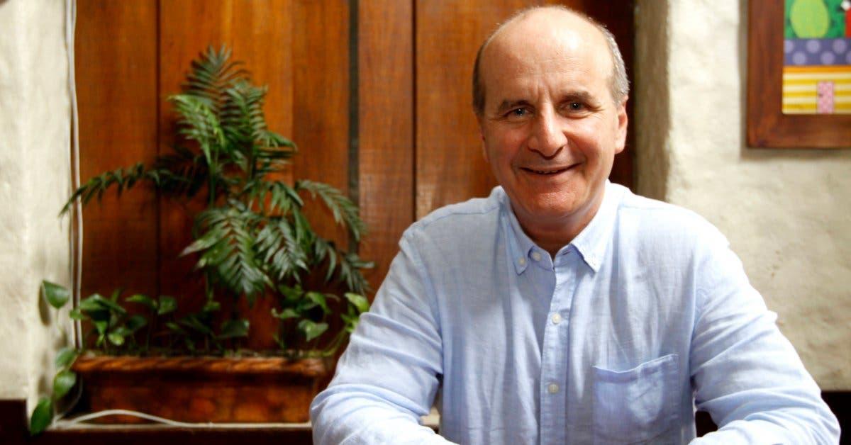 José María Figueres vota por Carlos Alvarado