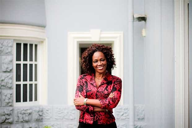 Preparación y trabajo en política respaldan a Epsy Campbell, primera vicepresidenta afrodescendiente