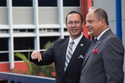 Comisión recomienda revocar nombramiento a Celso Gamboa