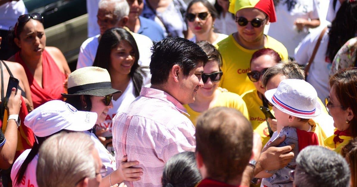 Carlos Alvarado ofrece la mitad de puestos en el gabinete a otros partidos políticos