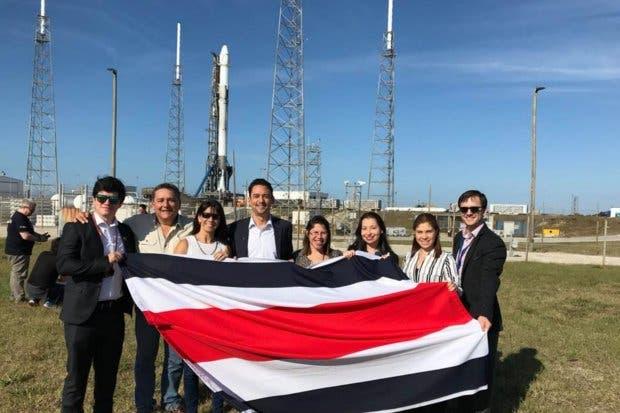 Primer satélite tico fue lanzado al espacio