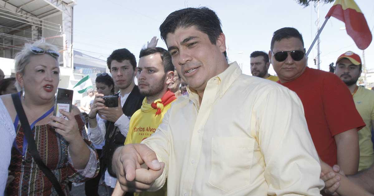 La Machaca: Ottón Solís hace cada propuesta en la Asamblea, que luce como una fracción de uno.