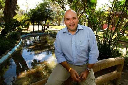 Edgardo Araya negocia para que impuesto verde entre en reforma fiscal
