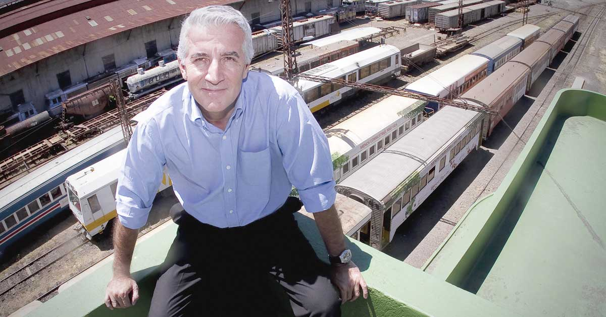 ¿Tren urbano viajando hacia atrás?