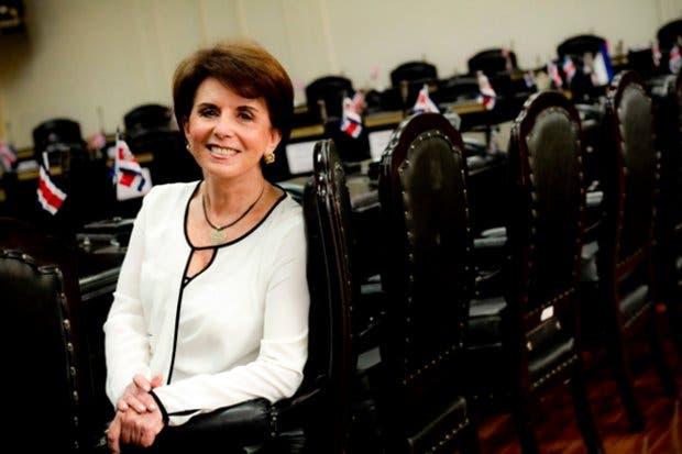Diputados critican nuevas plazas en el MAG