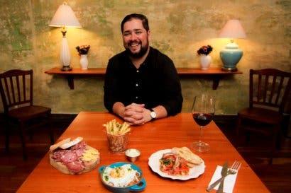 El menú que nació en la clandestinidad y ahora brilla en San José