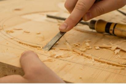 Ebanistas costarricenses fabrican el 95% de los muebles que vende Gollo