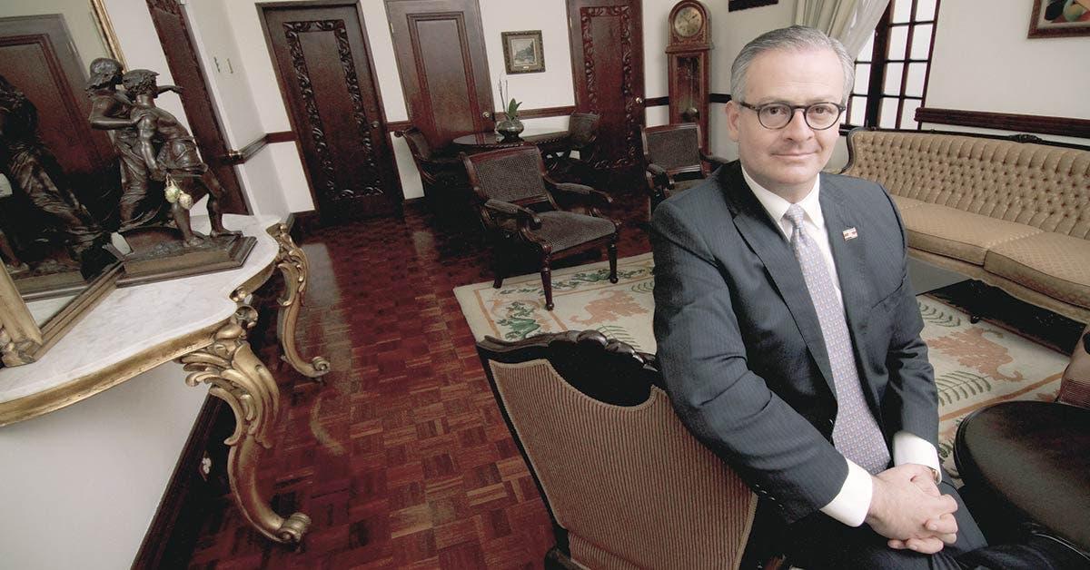 Canciller justifica con nueva política exterior embajadas poco tradicionales