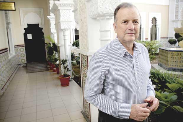 Ottón Solís niega que plan fiscal quite derechos de burócratas