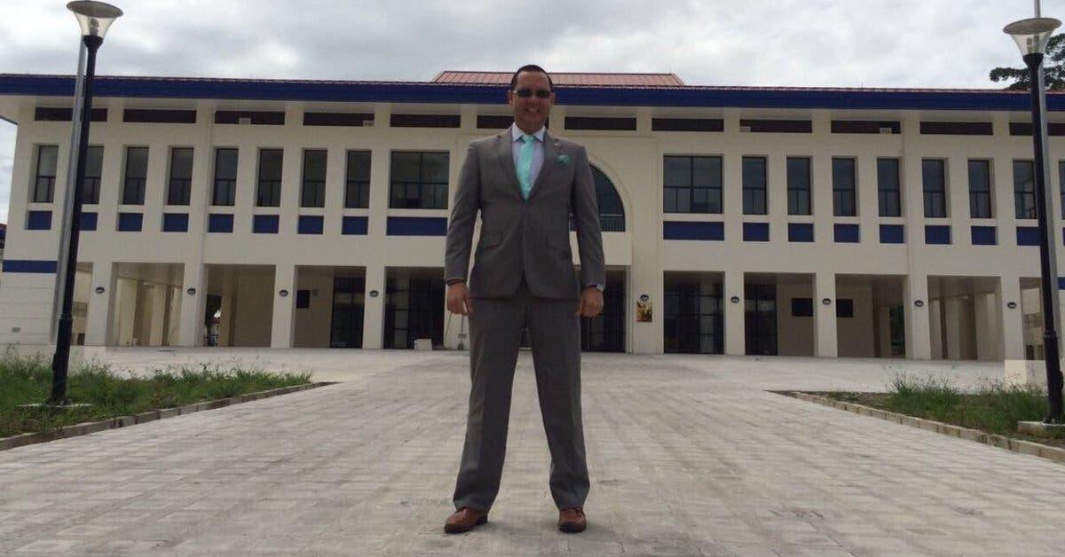 Fiscalía y OIJ allanan casa de ex magistrado Celso Gamboa