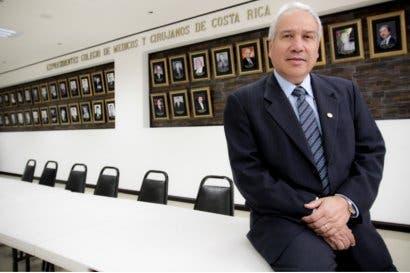 Colegio de Médicos: Reforma a Ley da mayor control al ejercicio de la profesión