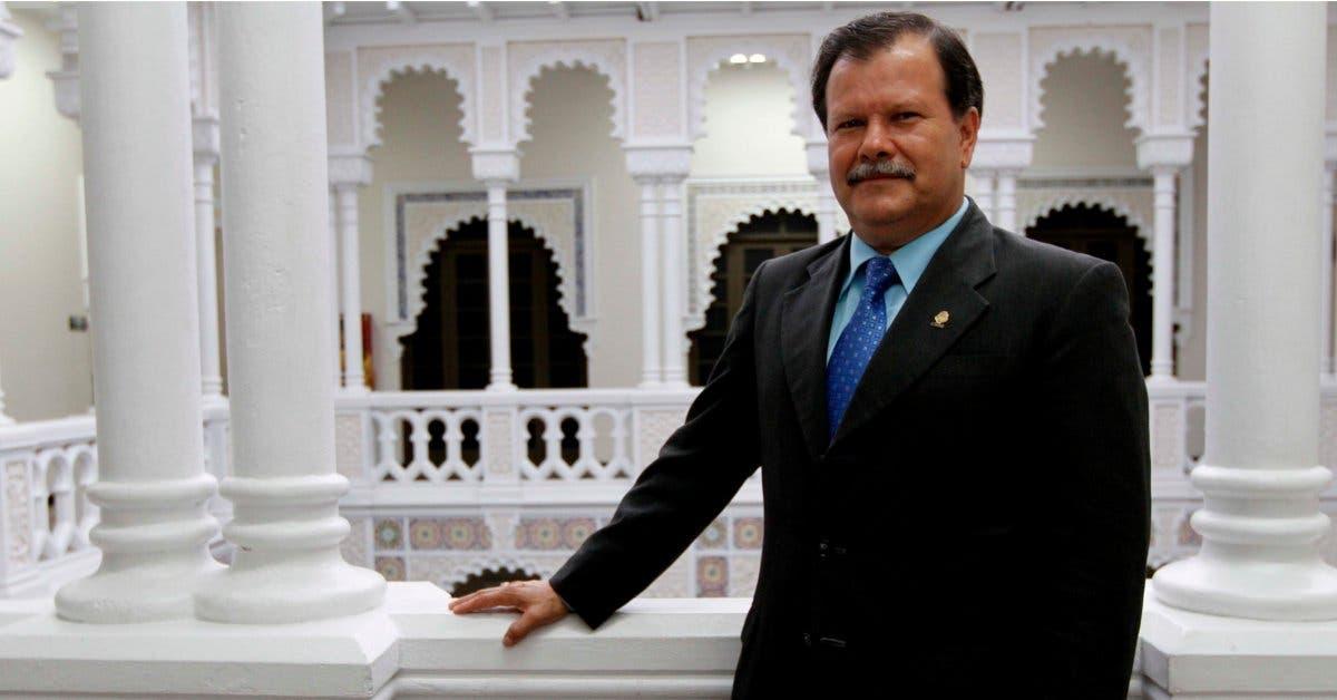 Fiscalía abre causa penal contra Abelino Esquivel