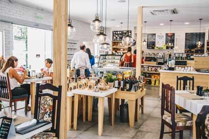 Fifco abrió su primer L'Artisan Café